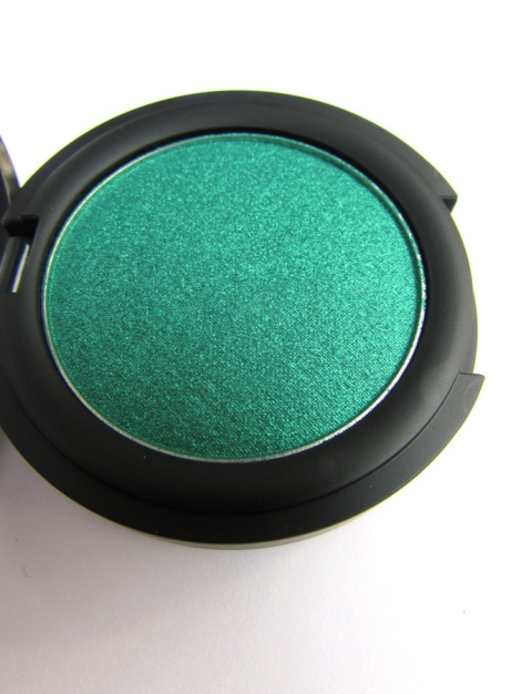 Kat Von D Metal Crush Shadow in Iggy
